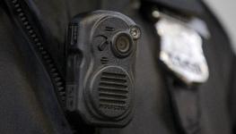 تحقیقات جدید:دوربین مداربسته پوششی برروی لباس پلیس میزان خشونت را افزایش می دهد.